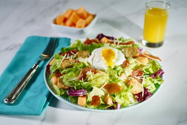 Crispy Prosciutto and Poached Egg Breakfast Salad